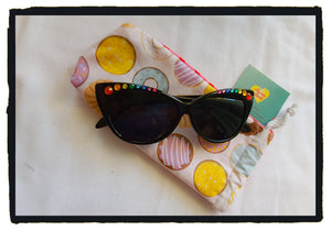 Donut glasses pouch