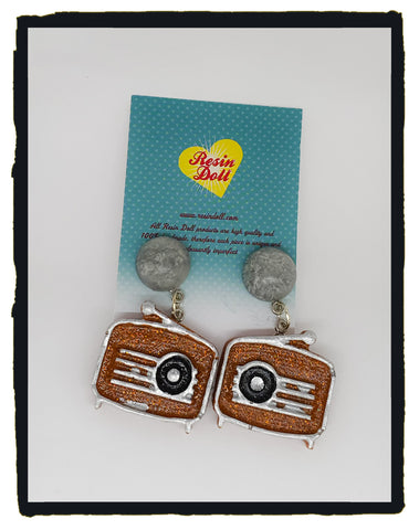 Brown radio drop earrings