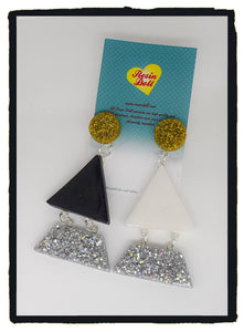 Odd-bodd Triangle-angle drop earrings