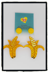 Banana odd-bod drop earrings