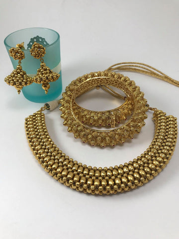 Gold Plated Kundan Choker Necklace Set With Matching Earrings & Bangles