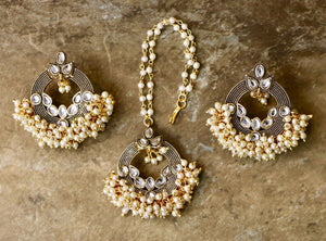 Gold Plated Kundan Earrings with Mang Tika with White Pearls