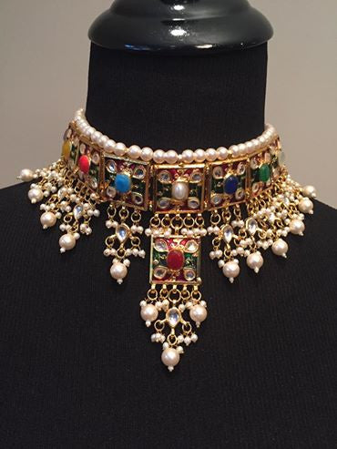 Gold Tone Kundan Jewelry Set