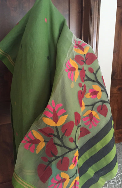 Green Handloom Saree with Blouse Piece
