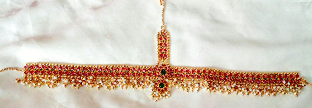 Gold Plated Mathapatti With Mang Tika & With Green & Red Stones