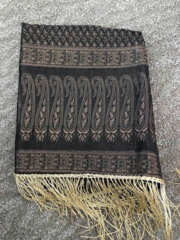 Black and Gold Handloom Banarasi Silk Pure Stole with Golden Zari Work