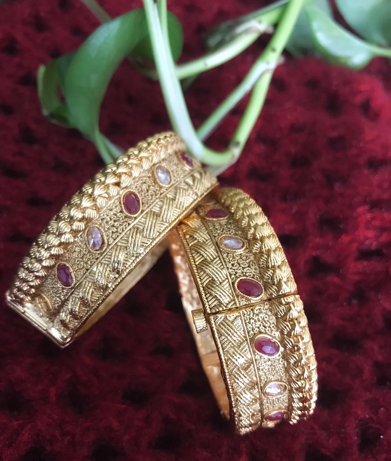 Gold Plated Matte Designer Bengali Styles Bangles