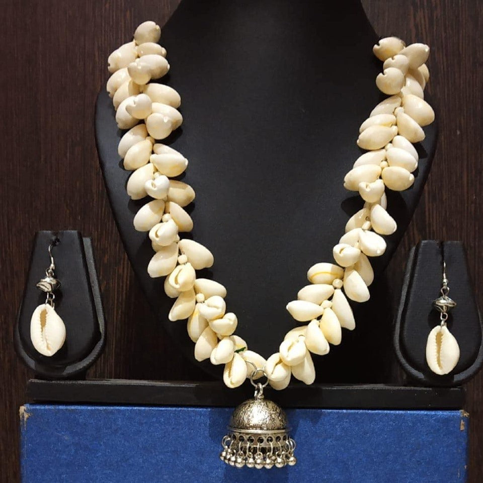 White Antique Shell Necklace Set with Matching Earrings