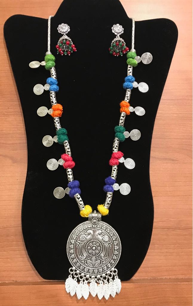"Multi Color Threaded 22"" German Silver Necklace Set With Leaf design"