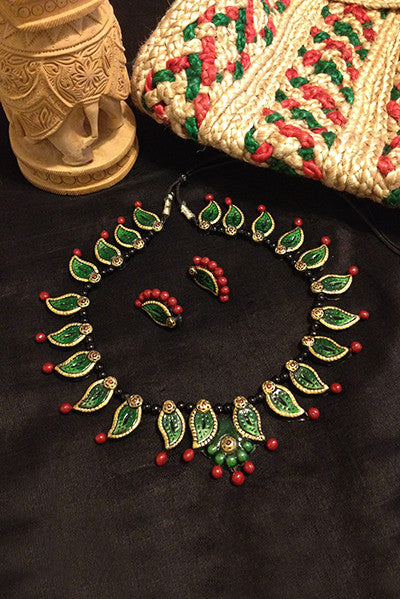 Look stylish in this Green & Red Terracota Necklace with matching Earrings. Lightweight and easy to wear.