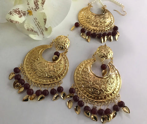 Exquisite Gold Plated Pipalpatti Maang Tikka Sets With Brown Color Beads