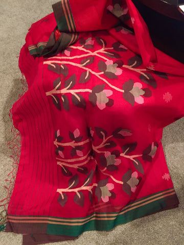 Ethnic Red & Forest Green Handloom Saree
