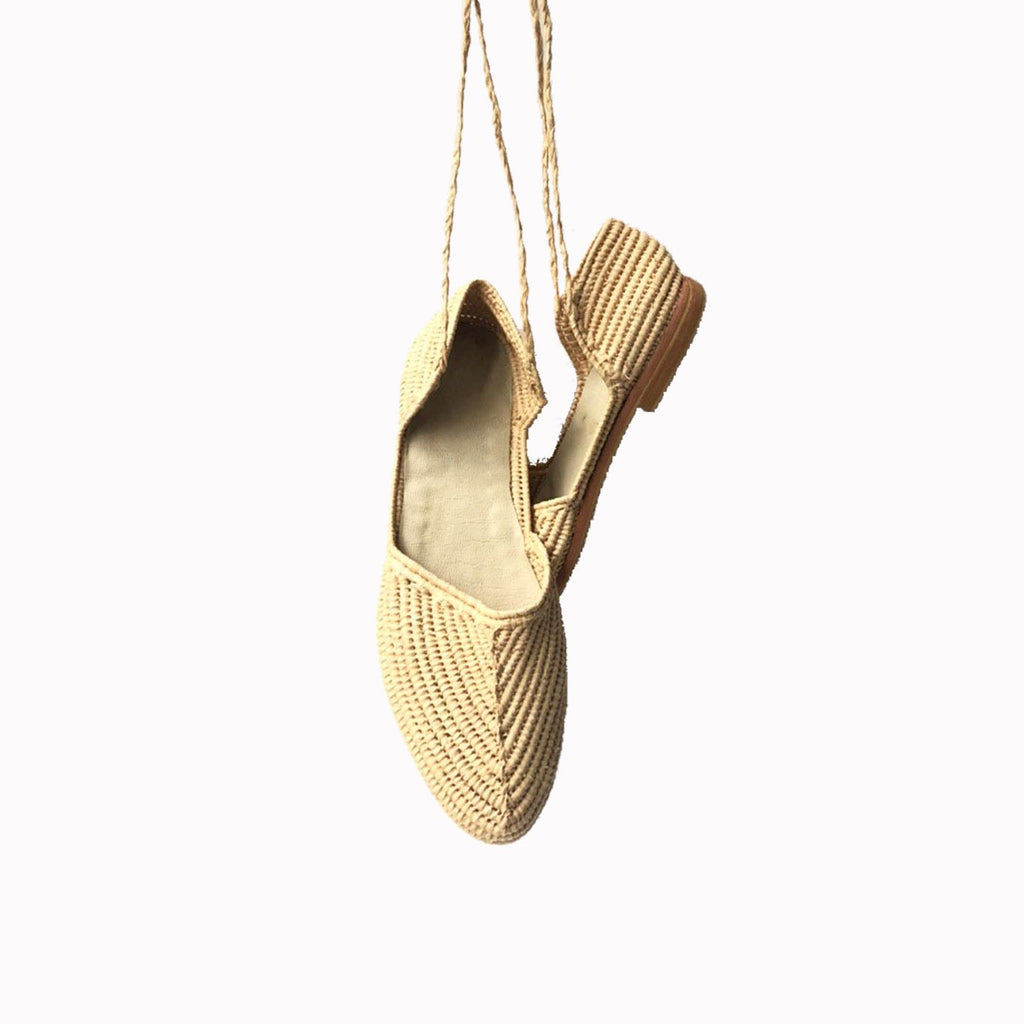 Pointed women shoes, Natural rafia, Woven flats, Shoes for wedding, Flat shoes