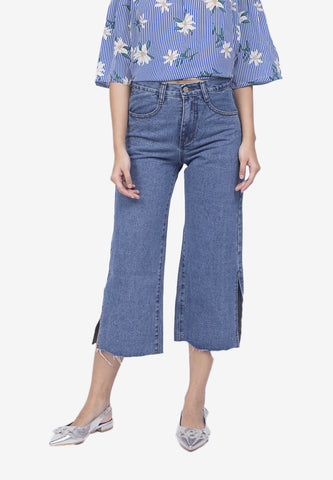 Cropped Wide Leg Jeans with Belt