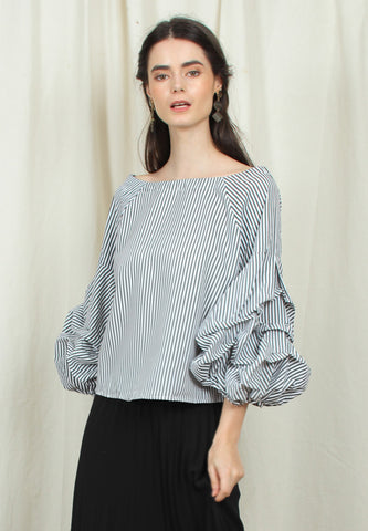 Gingham Voluminous Sleeve Top