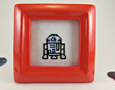 r2-d2 cross stitch mini frame