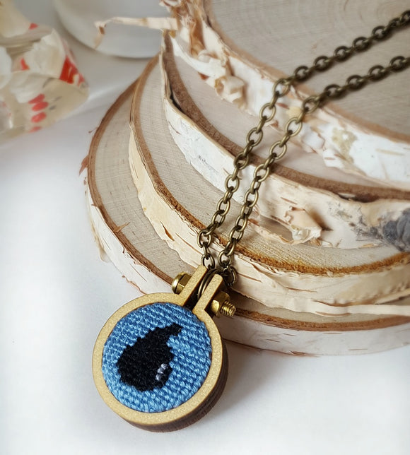 cross stitch island mana magic the gathering necklace
