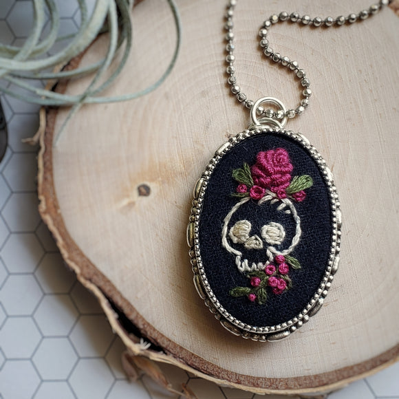 hand embroidered skull and roses antique silver oval necklace pin