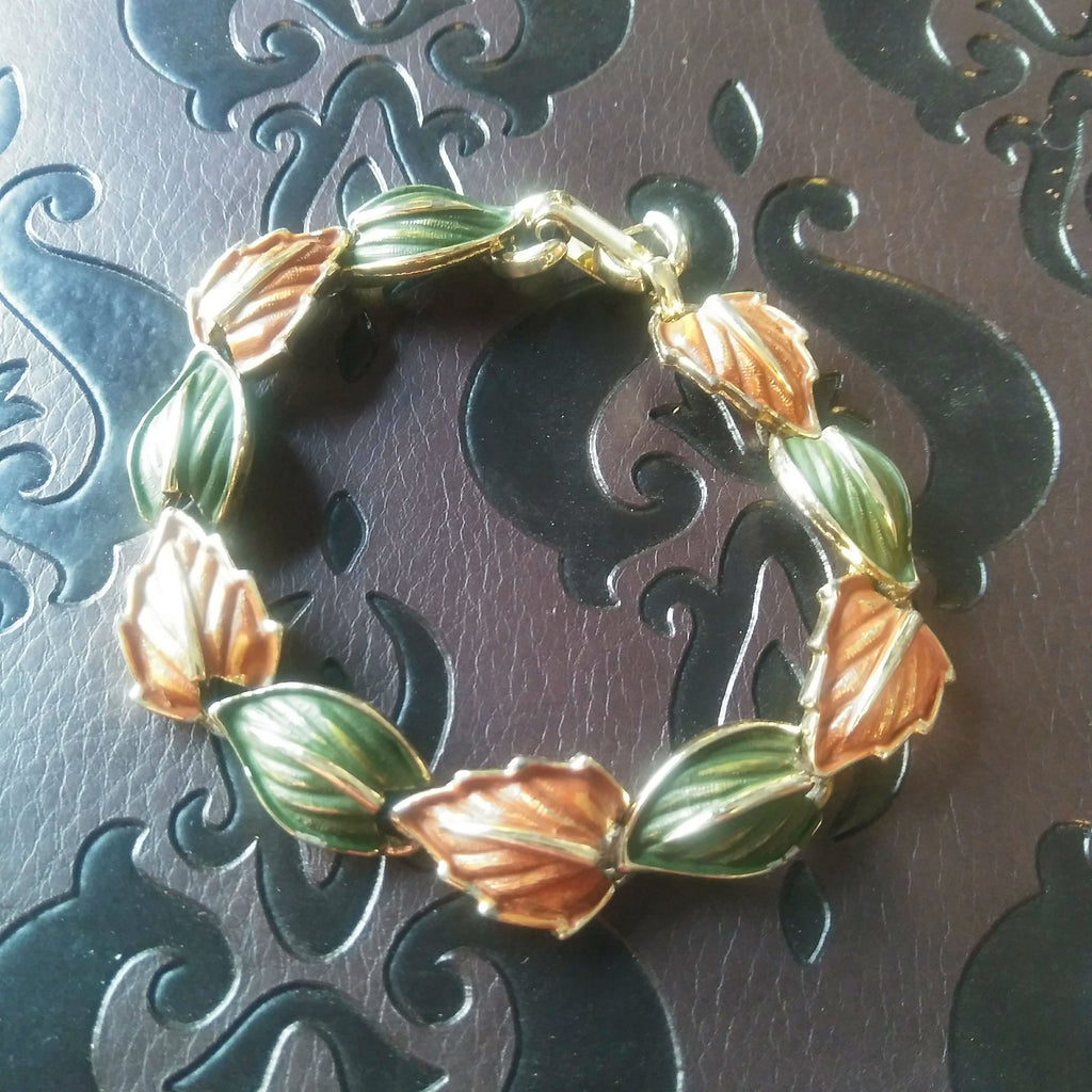 Leaf bracelet spelled