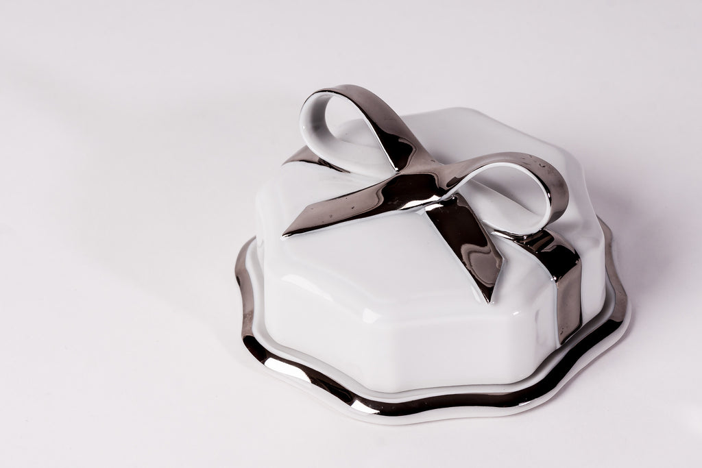 Lovely Porcelain Box With Platinum Ribbon - Diamond Fine Porcelain - 2