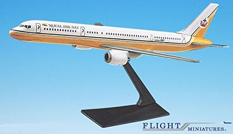 Royal Brunei 757-200 Airplane Miniature Model Plastic Snap-Fit 1:200 Part# ABO-75720H-009