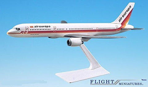 Air Europa 757-200 Airplane Miniature Model Plastic Snap-Fit 1:200 Part# ABO-75720H-027