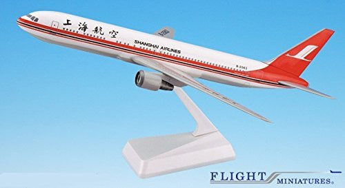 Shanghai Airlines 767-300 Airplane Miniature Model Plastic Snap-Fit 1:200 Part# ABO-76730H-029