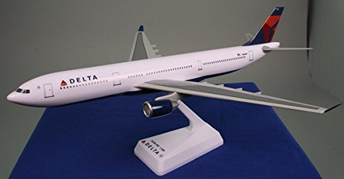 Delta (07-Cur) A330-300 Airplane Miniature Model Snap Fit 1:200 # AAB-33030H-011