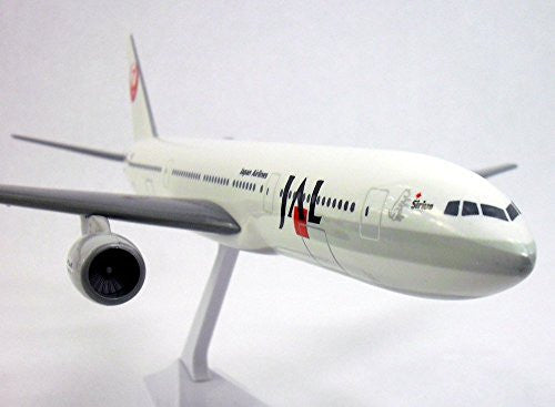 Boeing 777-200 Japan Airlines (JAL) 1/200 Scale Model  #ABO-77720H-005