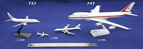 Blue Scandinavia 757-200 Airplane Miniature Model Snap Fit Kit 1:200 Part# ABO-75720H-032