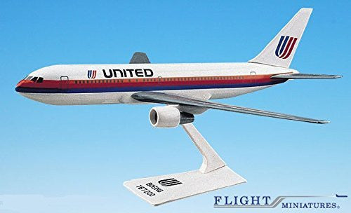 United (76-93) 767-200 Airplane Miniature Model Plastic Snap-Fit 1:200 Part# ABO-76720H-002