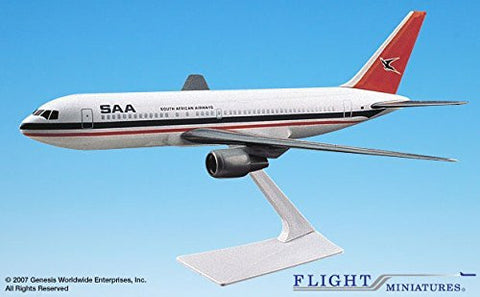 South African Airways 767-200 Airplane Miniature Model Plastic Snap-Fit 1:200 Part# ABO-76720H-007