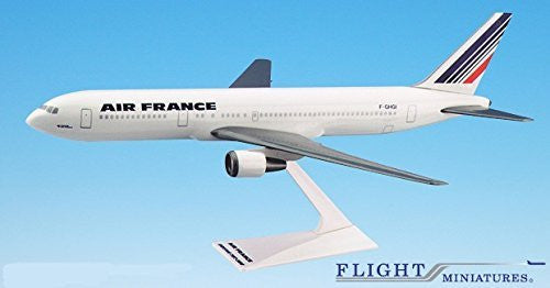 Air France (77-Cur) 767-300 Airplane Miniature Model Snap Fit 1:200 Part#ABO-76730H-030