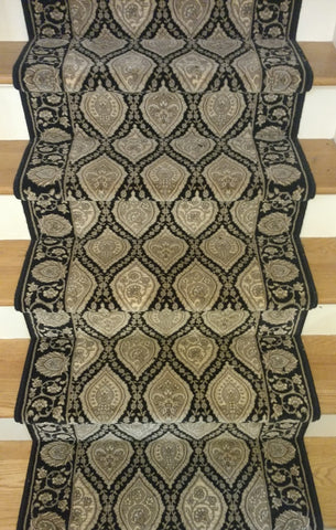 Paladino By Couristan Black 31 inch Hall and Stair runner