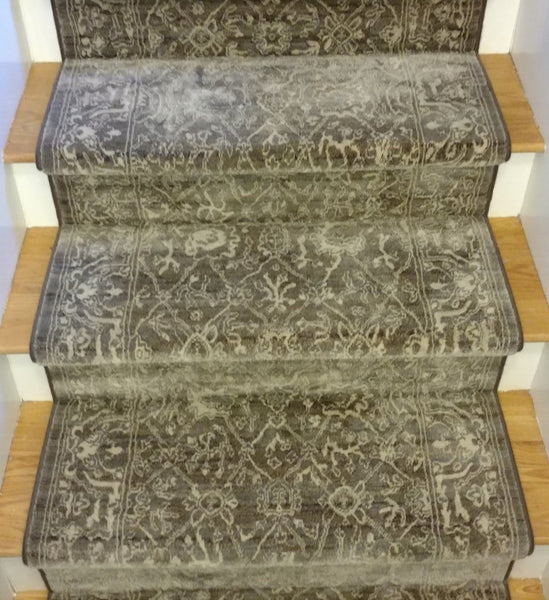 Couristan Stair Runner Everest Arabesque Stair Runners 6340-0001A - 26 inch Sold By the Foot