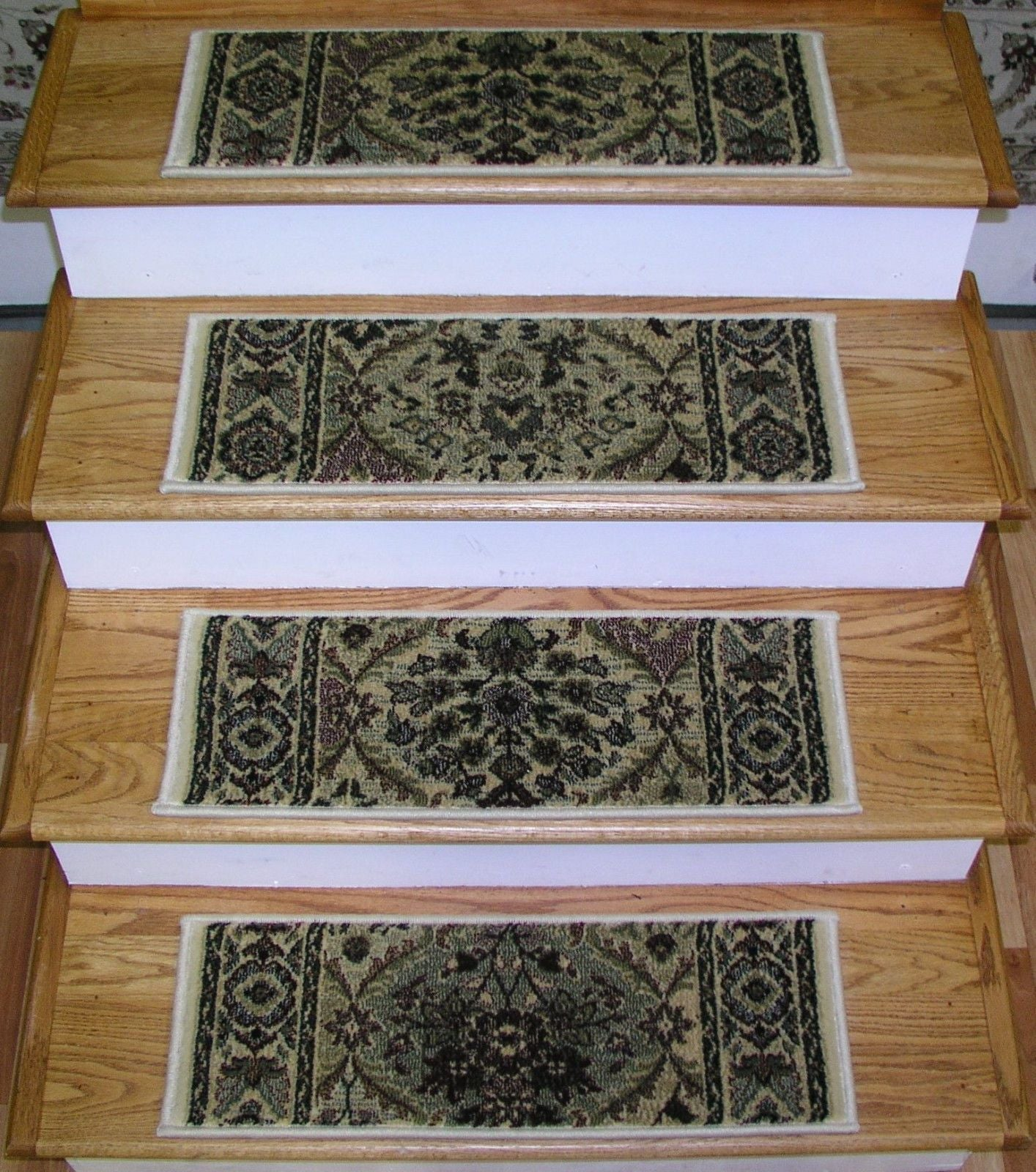 Rizzy Stair Treads Stair Tread Ivory Panel 26in x 9in Set of 13 With Non Slip Pads