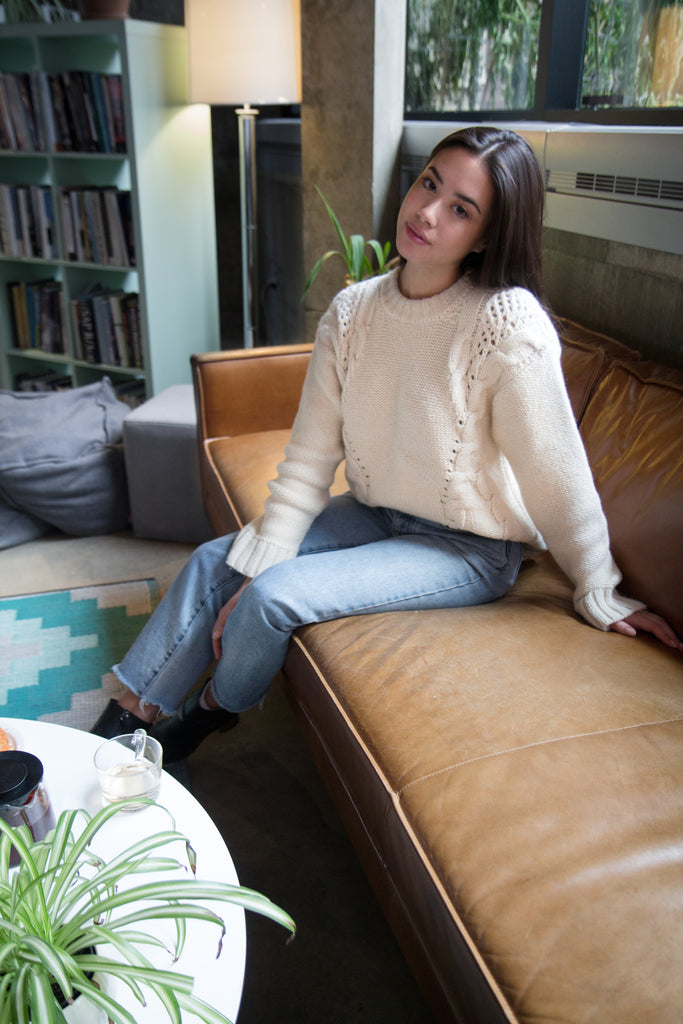 Sasha-Mei-Blogger-in-montreal-wearing-the-bienville-sweater