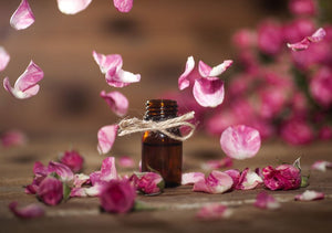 Rose Essential Oil And Its Amazing Benefits