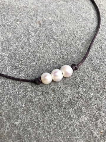 Three Pearl Chocker Necklace - Brown