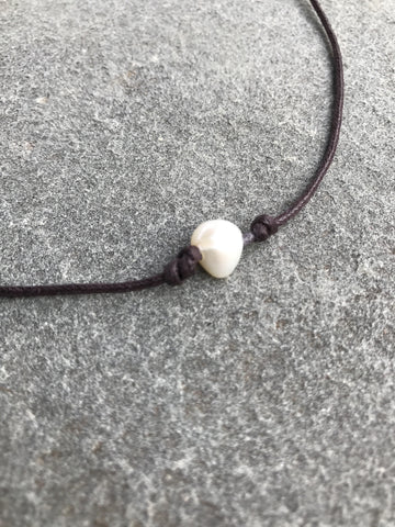 Single Pearl Chocker Necklace - Brown