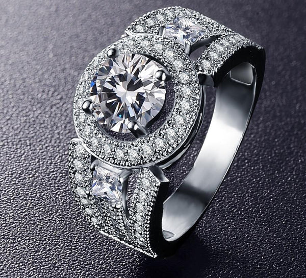 MCKVTZQK Silver Plated CZ Ring