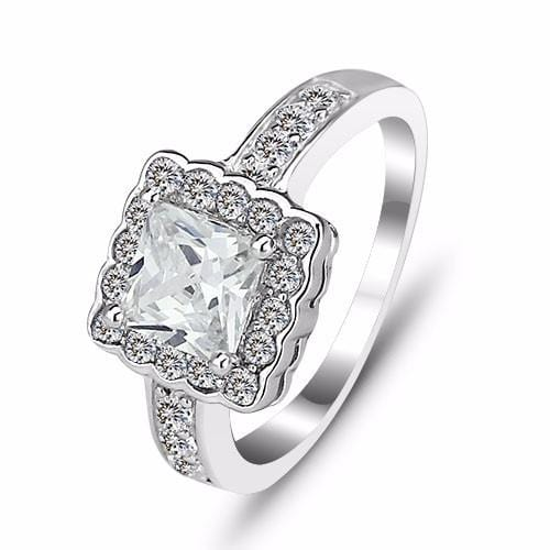 B8TGX30I 925 Sterling Silver Square Cut CZ Ring