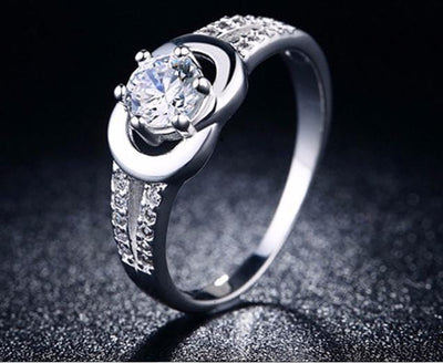 IUPORXJ0 Silver Plated CZ Crystal Ring