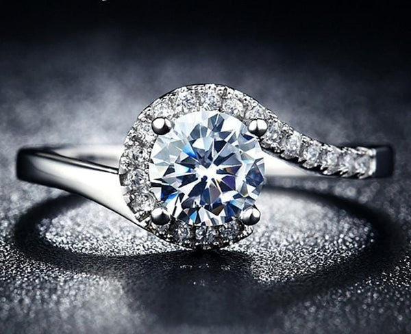 L528KNH6 Silver Plated CZ Ring