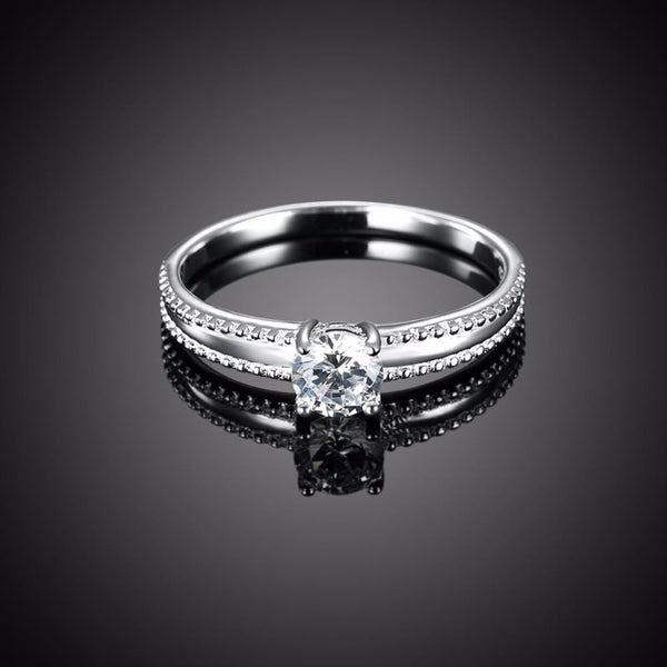 MNK0QI7X 925 Sterling Silver CZ Ring