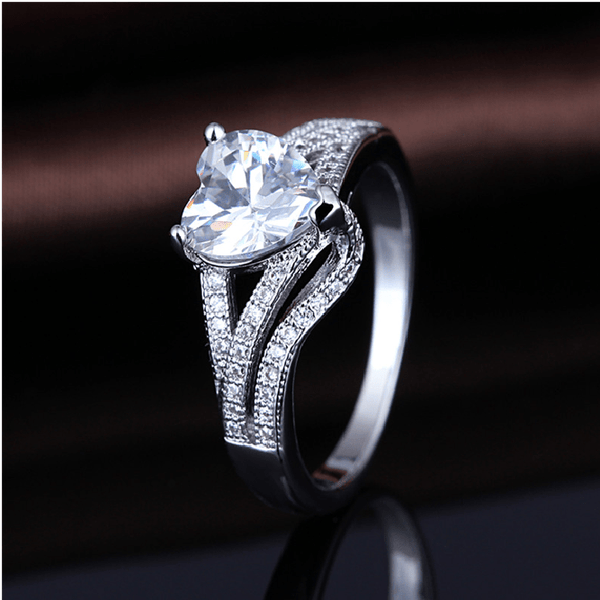 NQJOXC07 White Gold Plated Heart CZ Ring
