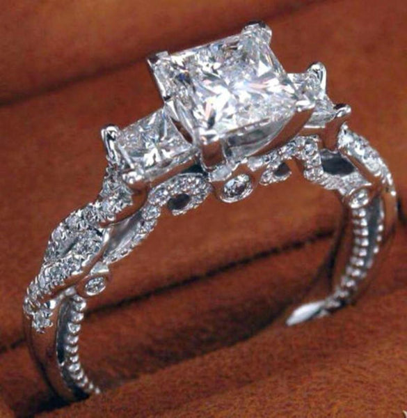 NZX6FNQD 925 Sterling Silver Vintage Style 2ct 3 Stone CZ Ring