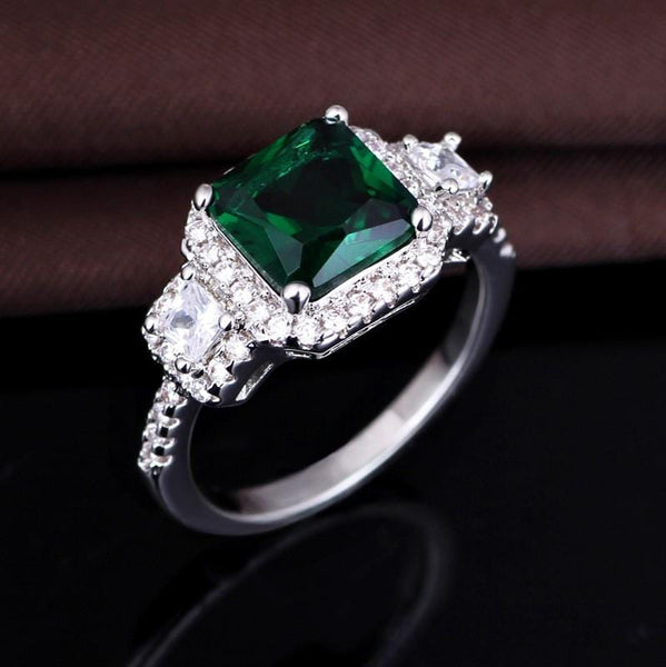 R11A0PUS White Gold Plated AAA Green CZ Ring