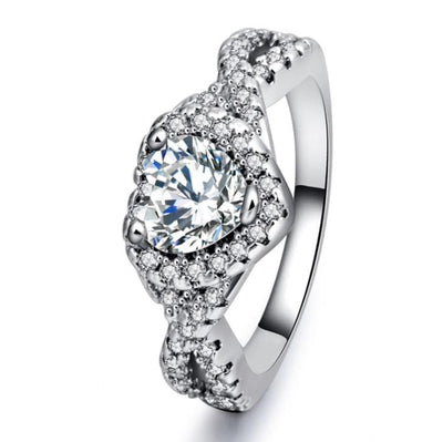UQMKAV5T White Gold Plated Heart CZ Ring