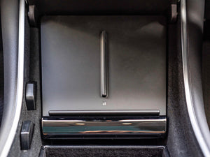 Model 3 & Model Y Qi Wireless Center Console Phone Charger1